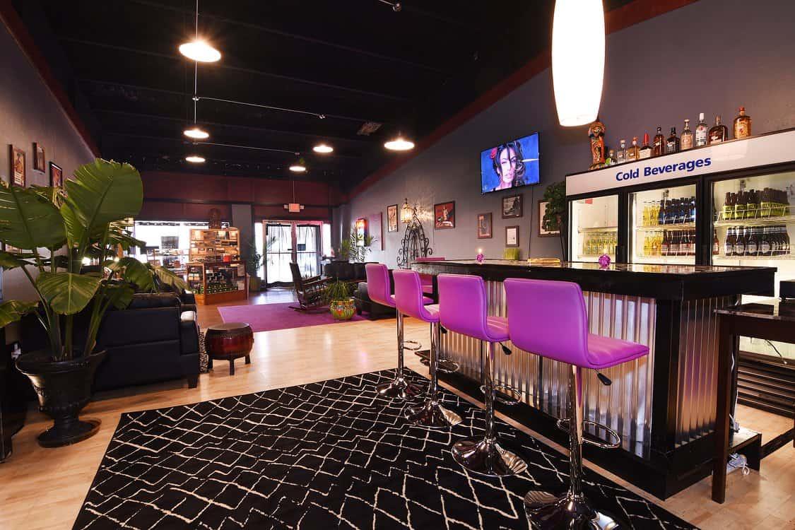 Good Life Cigar Lounge Visit Nc Smokies
