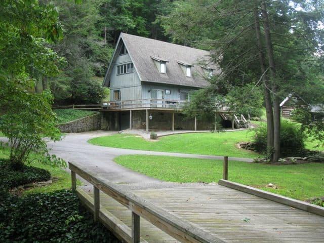 Rivermont Waterfront Cabin Rentals Visit Nc Smokies