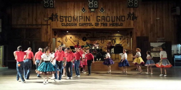 dancing group clogging at stompin ground in haywood county